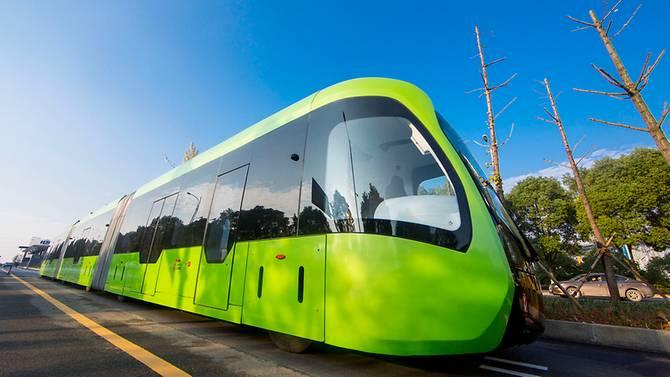 Electric autonomous trackless train
